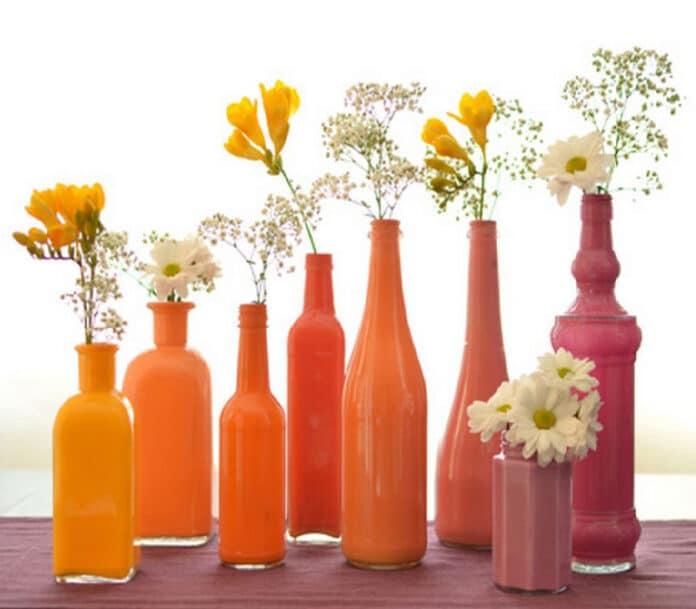 Πώς να χρησιμοποιήσετε τα παλιά γυάλινα μπουκάλια ως στολίδια • Tospitakimou.gr