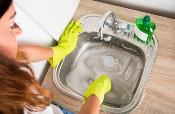 Καθάρισμα αποχέτευσης νεροχύτη