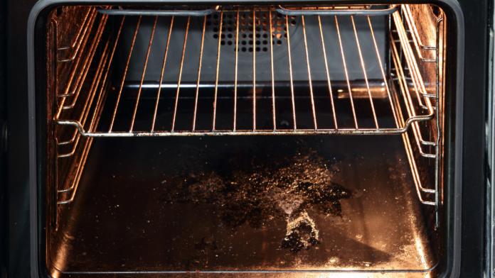 καθαρισμός φούρνου